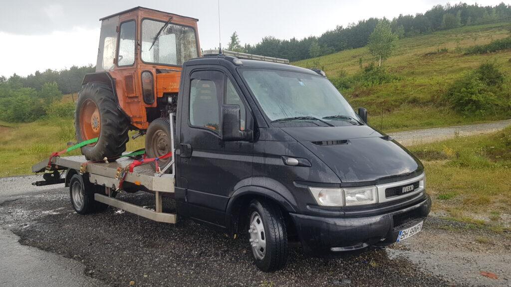transport-tractor-utb