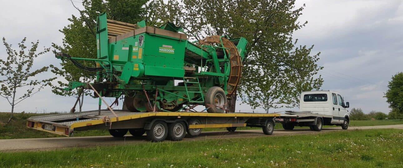 Transport combina recoltat cartofi